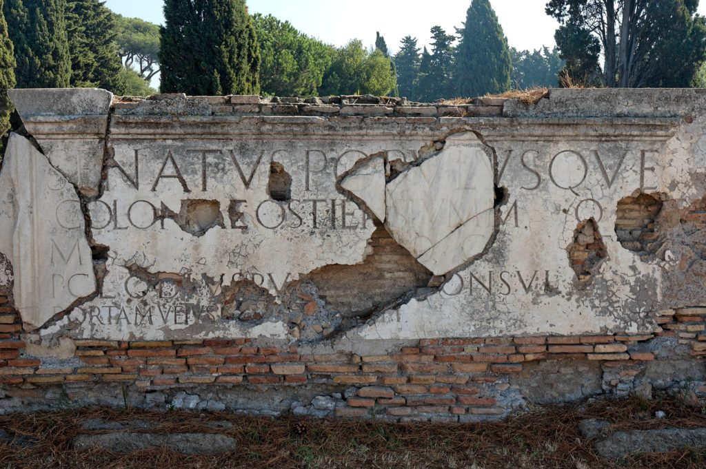 ostia antica porta romana